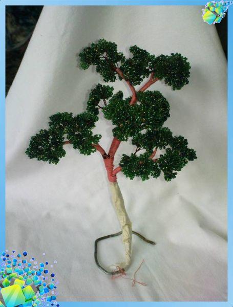 и залить каркас нашего дерева бонсай сделанного из бисера алебастром.