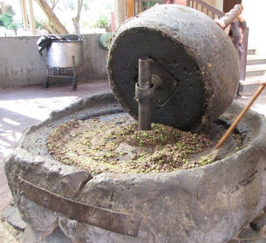 водяная мельница 19 века продам жернова отзывы, фото